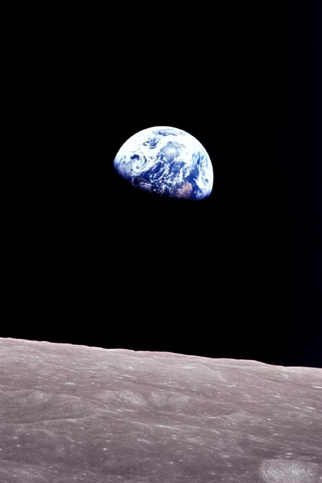 wallpaper iPhone Earthrise