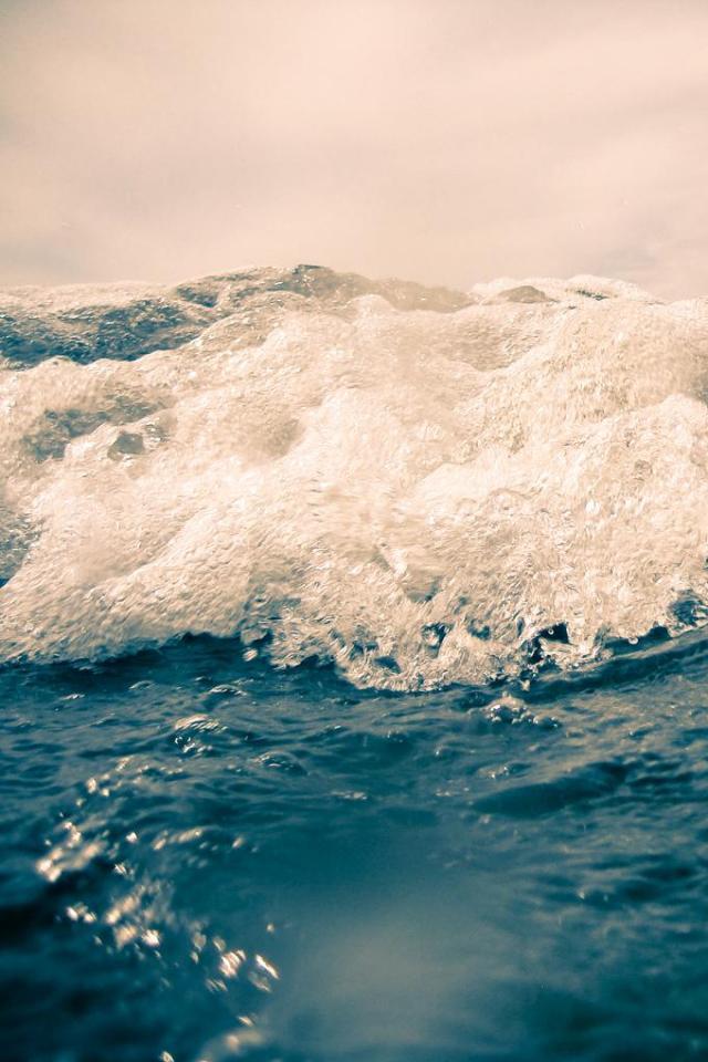 wallpaper iPhone Sea Foam
