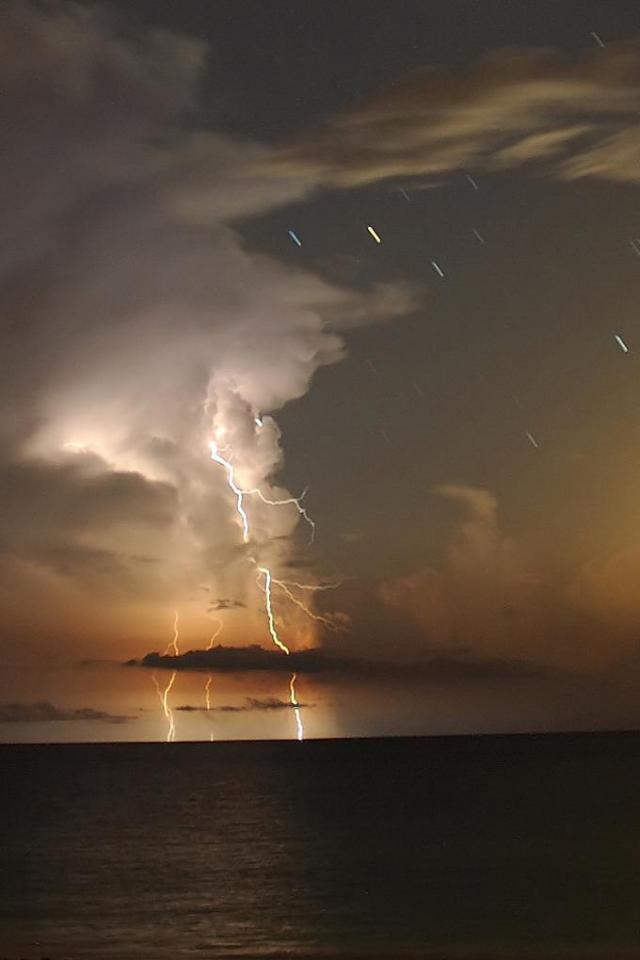 wallpaper iPhone Thunderstorm
