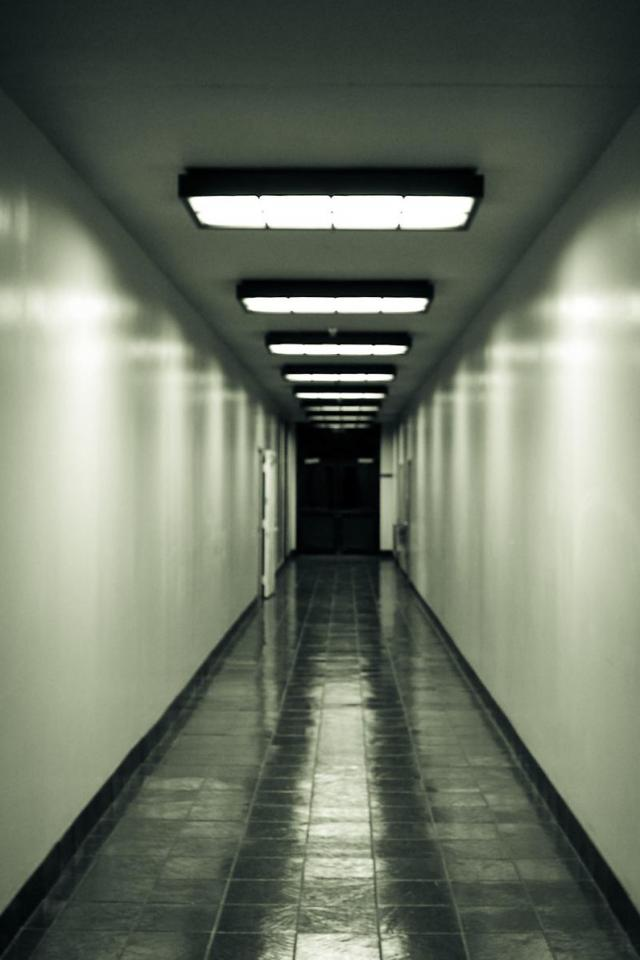 wallpaper iPhone The Hallway